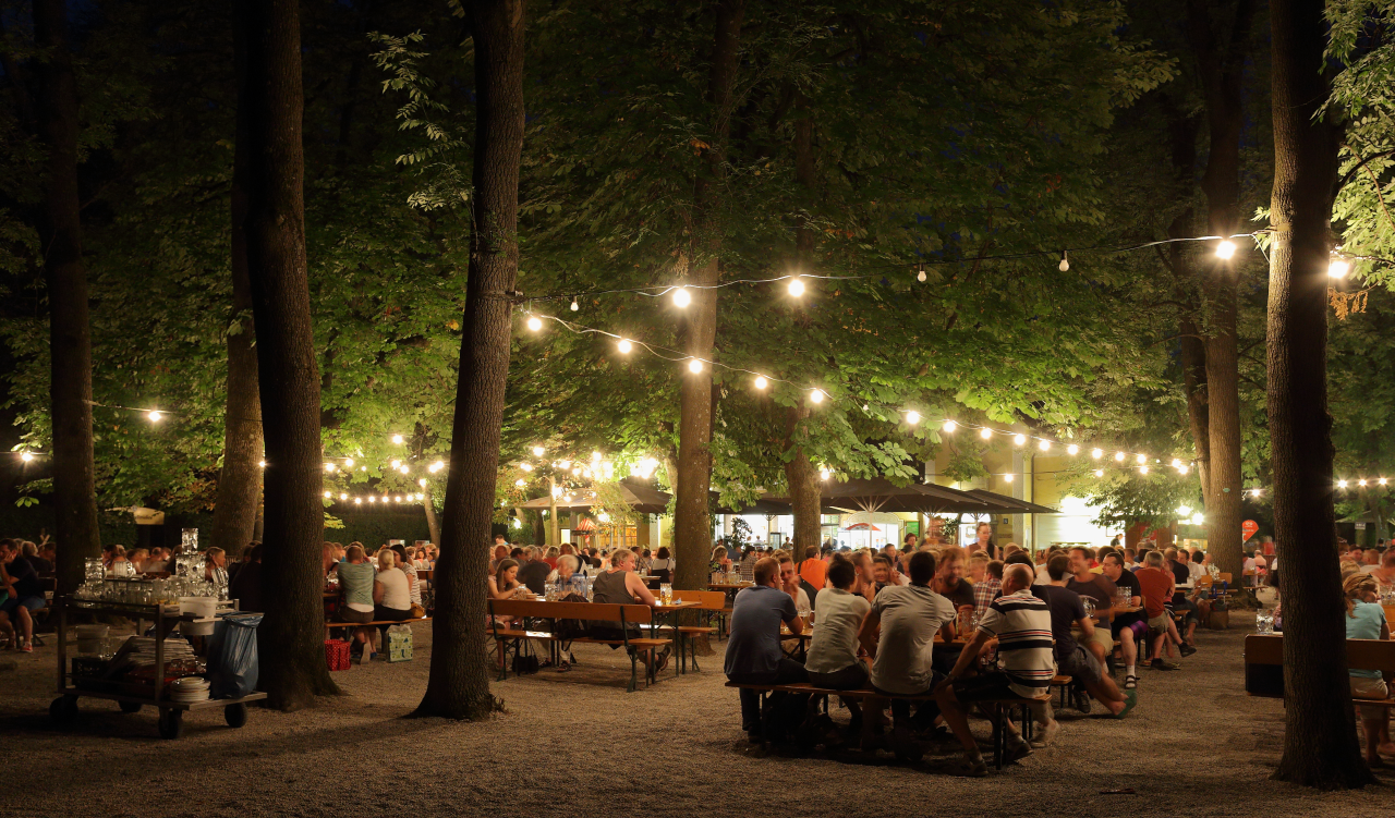 Biergarten_at_Night_2_1280