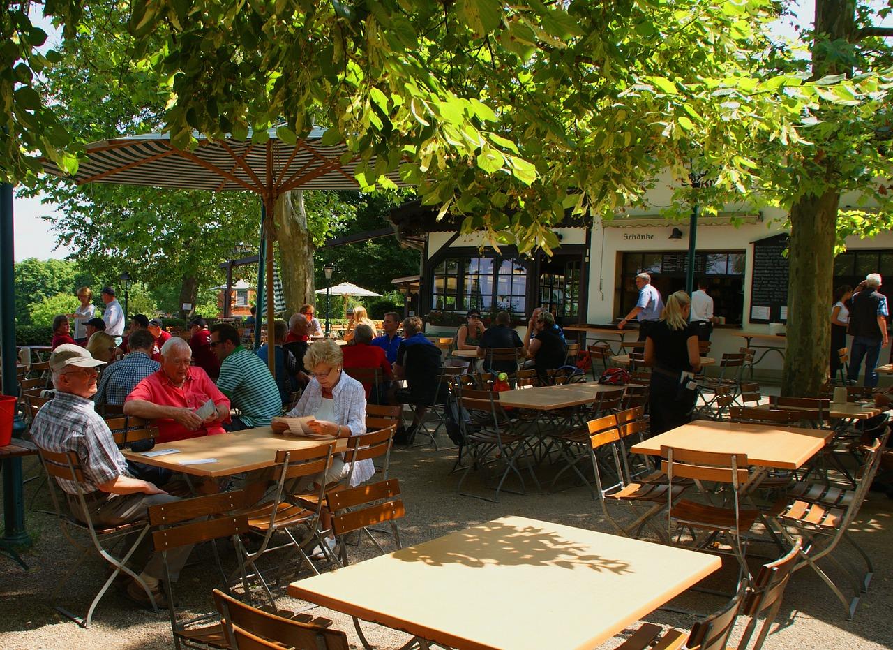beer-garden-1023041_1280