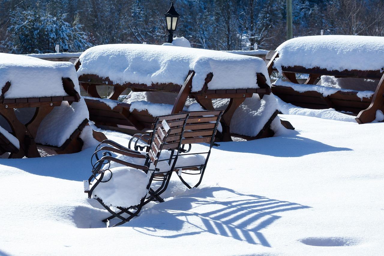 snow-615341_1280